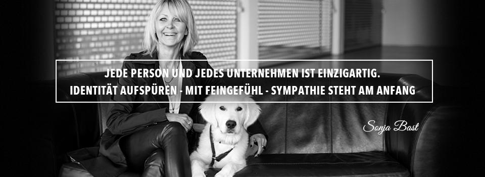 Sonja Bast, gestaltet [in hamburg], Logodesign, Webdesign, Flyerdesign